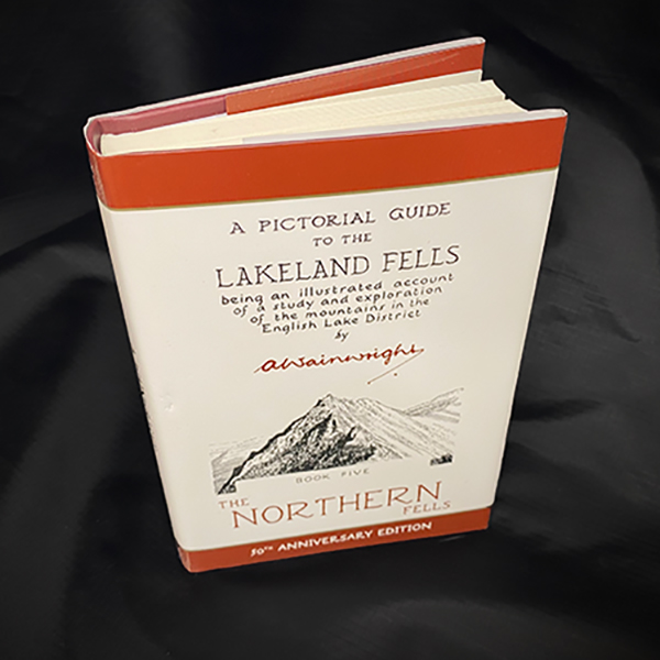 Wainwrights Pictorial Guide - Northern Fells Book 5